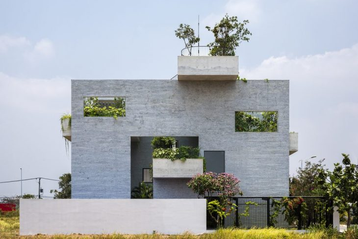 Binh House by Vo Trong Nghia Architects
