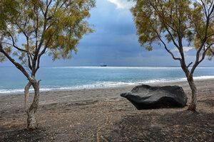 Пляж Перисса