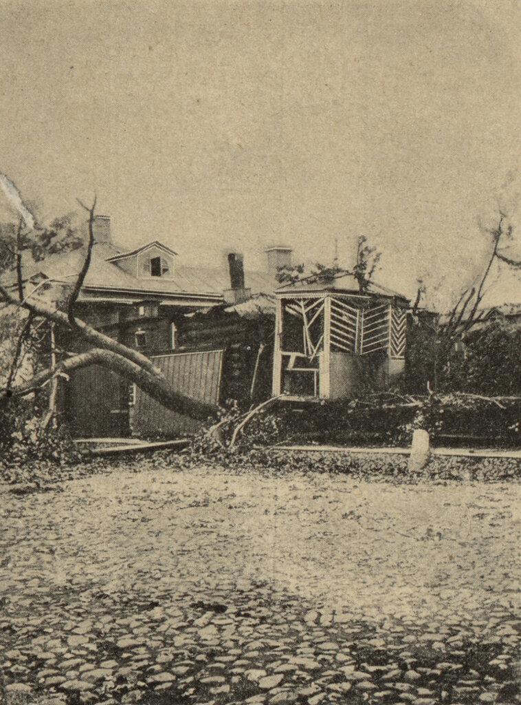 111198 Дом Кацауровых в Посланниковом переулке после урагана М.И. Грибов.jpg