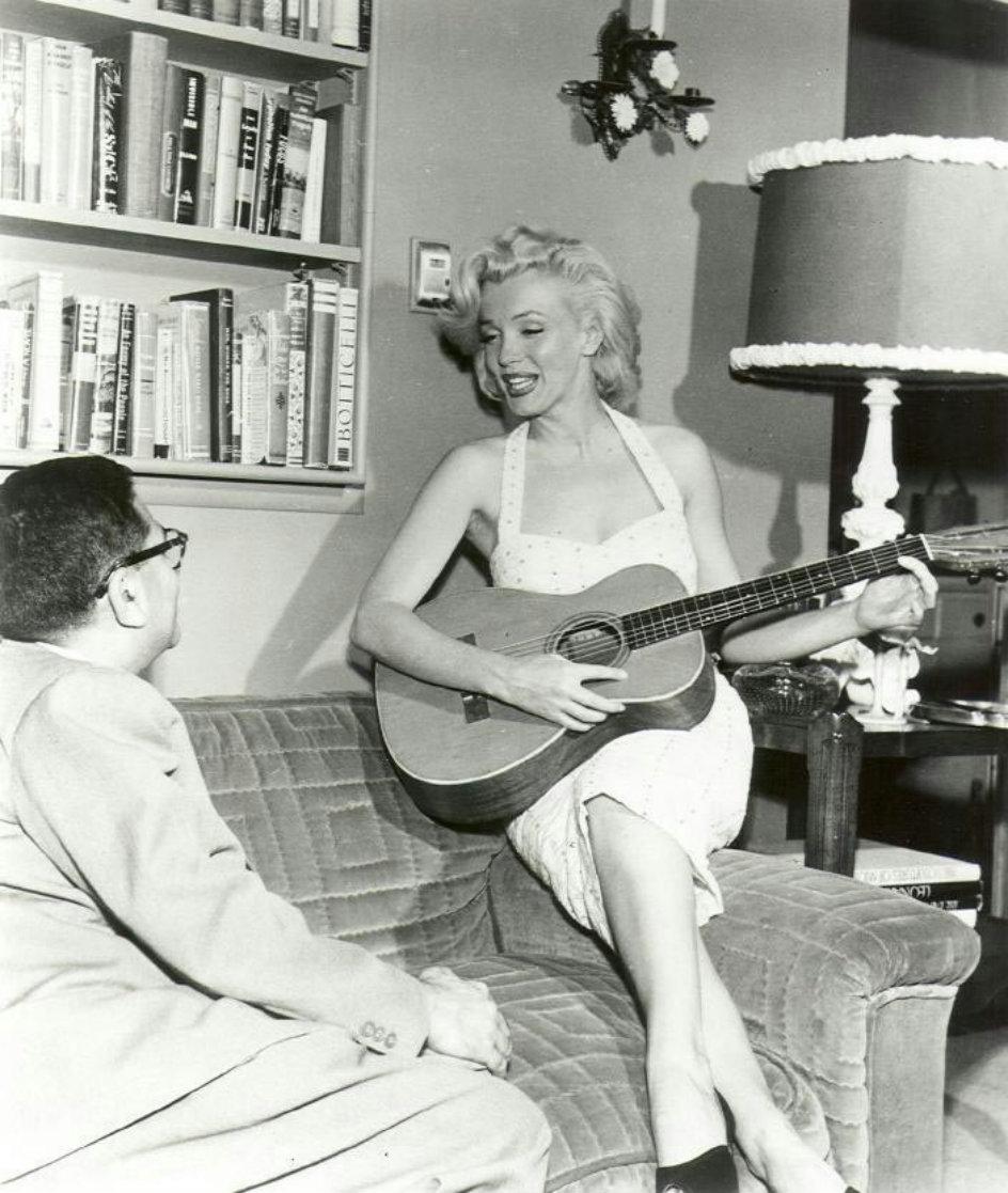 Marilyn Monroe and the Camera: бесконечный материал. Часть 308