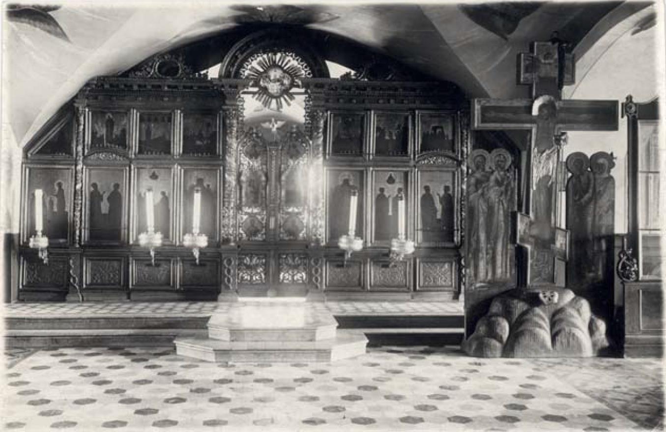 Никитская (Предтеченская) церковь 1765 г. Иконостас придела Козьмы и Дамиана