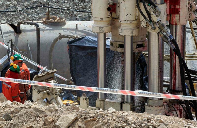 Фото 8 - Буровое оборудование для спасения - шахта Сан-Хосе.jpg