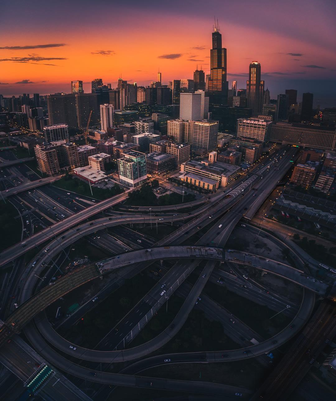 Впечатляющие городские пейзажи Майка Майерса