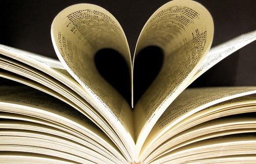 27 мая Общероссийский День библиотек. Странички в виде сердечка