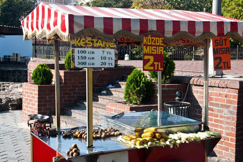 Тележка с кукурузой и каштанами Стамбул
