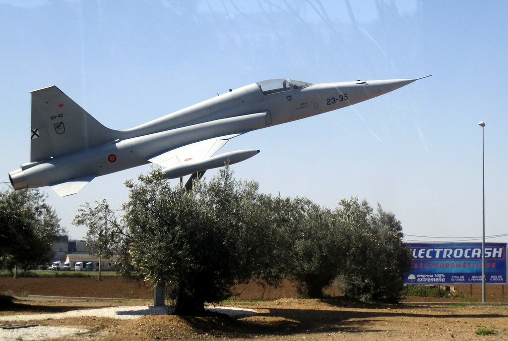 CASA/Northrop SF-5A monument, Badajoz