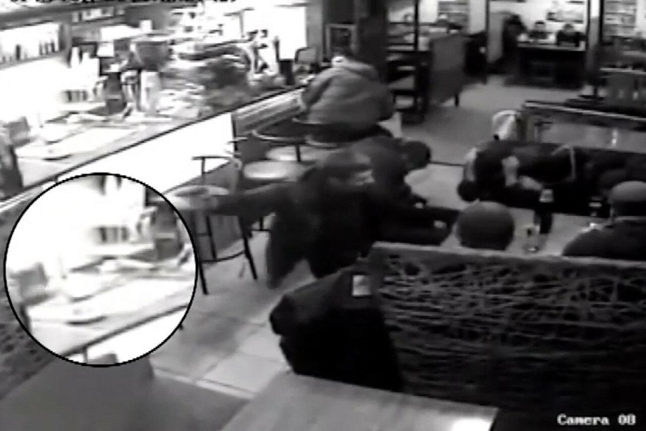 """""""Европрокурор"""" устроил стрельбу в кафе"""