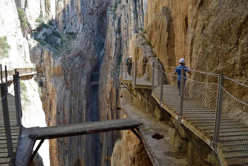 14. Королевская тропа, Испания Тропа между водопадами Чорро и Гайтанехо в ущелье Эль Чорро долгие го