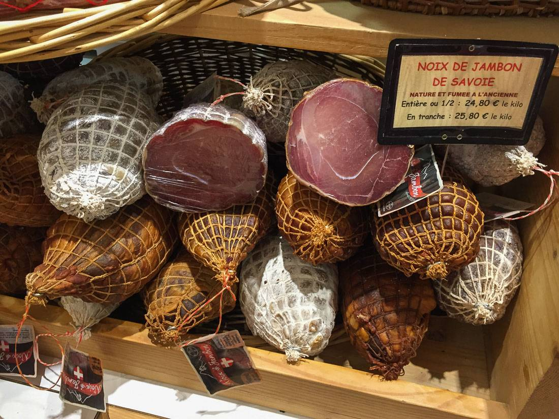 Трюфельная свиная колбаса — 4 000 рублей.