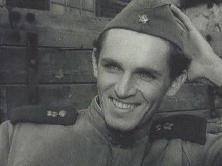Станислав Любшин, 1958, «Сегодня увольнения не будет» — военный шофер Садовников.