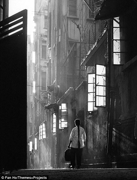Магия, рождённая наложением кадра: Гонконг в 1950-х годах (9 фото)