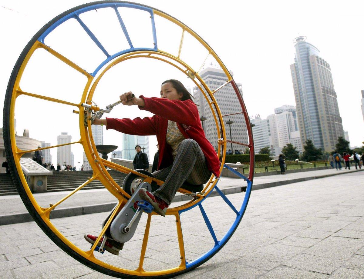 11. Это колесо создал изобретатель Ли Юнли. Он назвал его «транспортным средством номер один в мире»