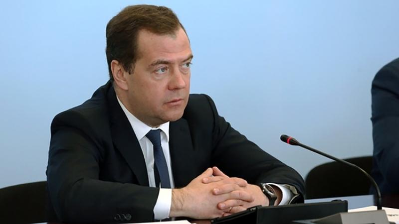 Медведев пожаловался насильную зависимость экономики РФ отцен нанефть