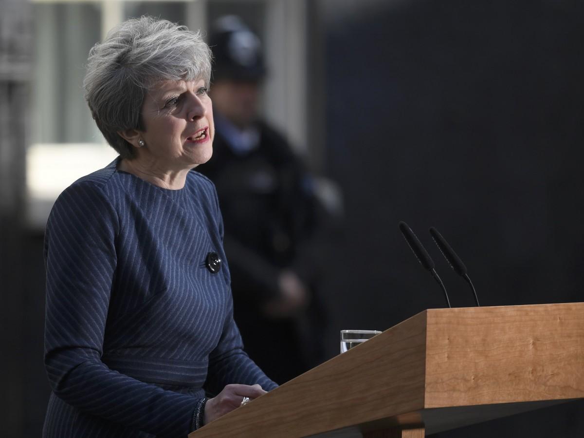 Британский парламент проголосовал задосрочные выборы