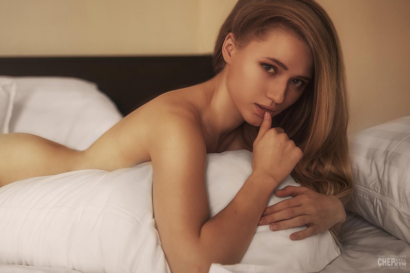Секс смотреть онлайн легкая эротика массаж взрослые