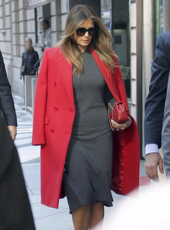 Exclusif - Melania Trump et son fils Barron Trump vont dйjeuner au restaurant Serafina а New York