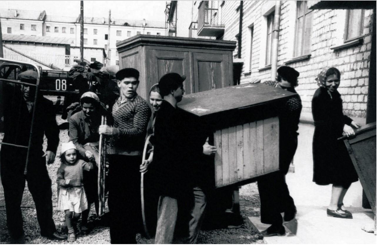 Сатка. Жилой массив завода «Магнезит». Новоселье рабочих завода (1959)