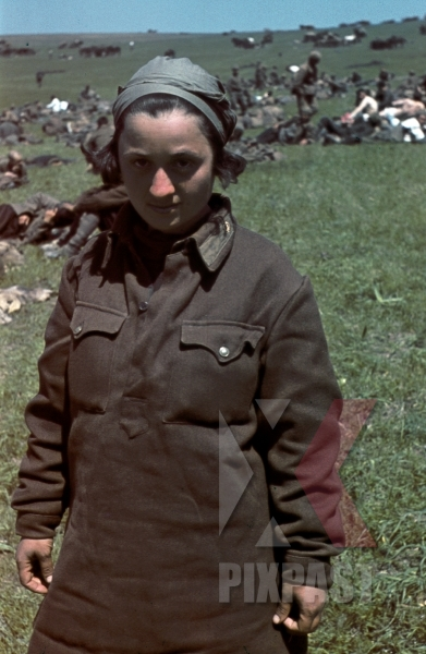 stock-photo-captured-female-russian-prisoners-of-war-krim-crimea-kretsch-1942-22nd-panzer-division-11687.jpg