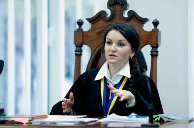 """""""Підпрацювала"""": Судья Царевич перед увольнением одолжила 400 тыс. и купила машину за полмиллиона"""