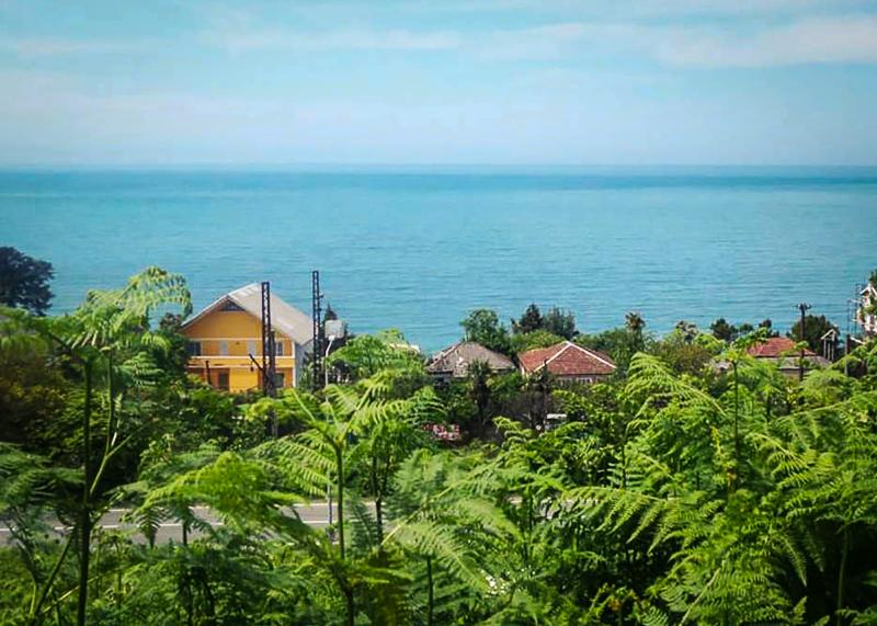 Вид на поселок Чакви и Черное море