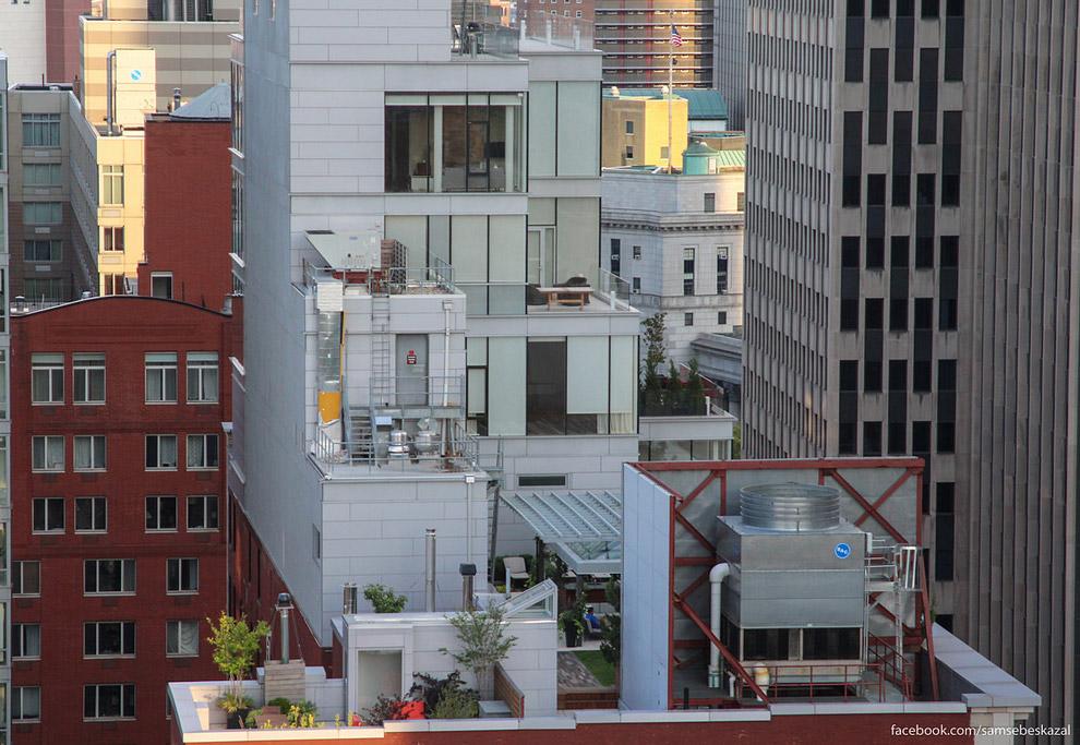 13. Детская площадка на крыше дома.