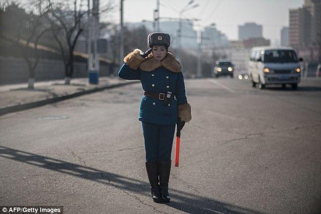 Три черты, которые обязательно помогут устроиться в дорожную полицию: высокий рост, приятная внешнос
