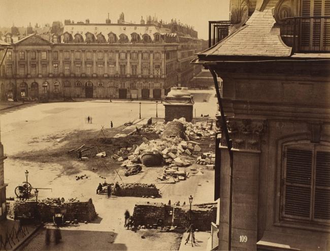 © wikimedia  Иллюминация Кремля послучаю коронации Николая II. Москва, Россия, 1896 год