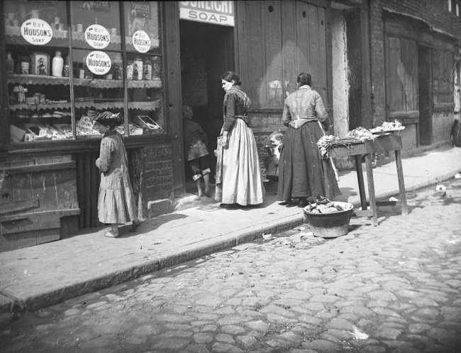 © newcastle-antiquaries  Алоис Гитлер, отец Адольфа Гитлера. Австро-Венгрия, между 1897 и1899
