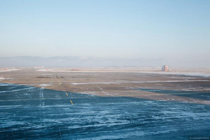 2. Московский рейс обернулся и улетел домой. Суета с встречающими, вылетающими, #таксиненадо и #такс