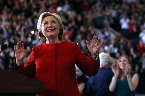 Макфол не предсказывает новых санкций против Российской Федерации вслучае победы Клинтон