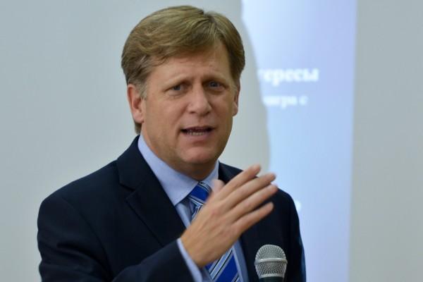 Макфол предложил принять вСША закон против русских RTиSputnik