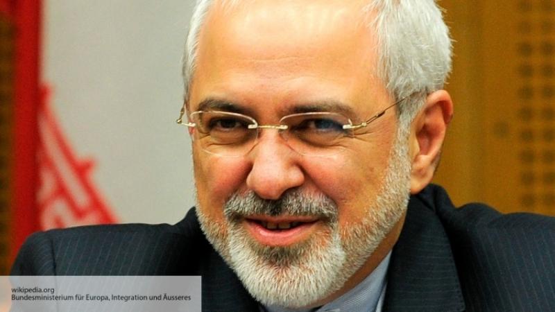 Руководитель МИД Ирана назвал указ Трампа омигрантах «подарком экстремистам»