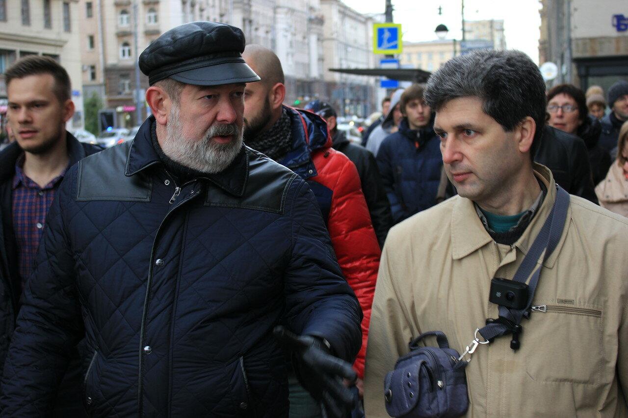 Прогулка оппозиции вокруг Кремля