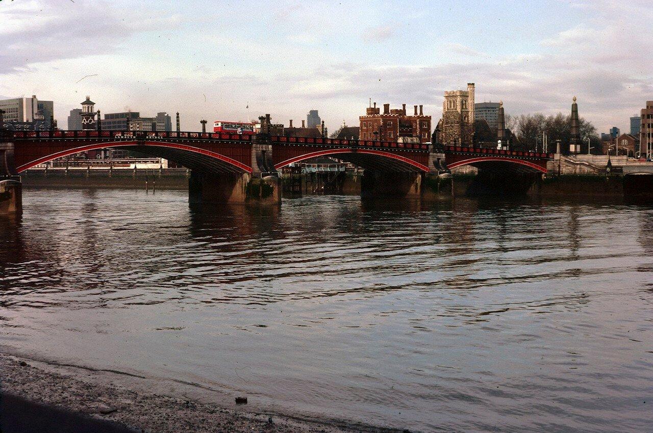 Лондон. Лондонский мост над Темзой
