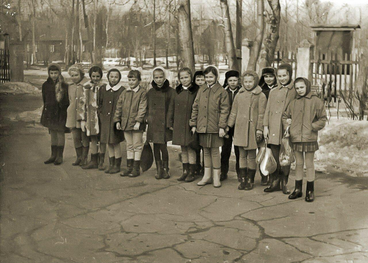 1970-е. Участники хореографического коллектива клуба Строитель