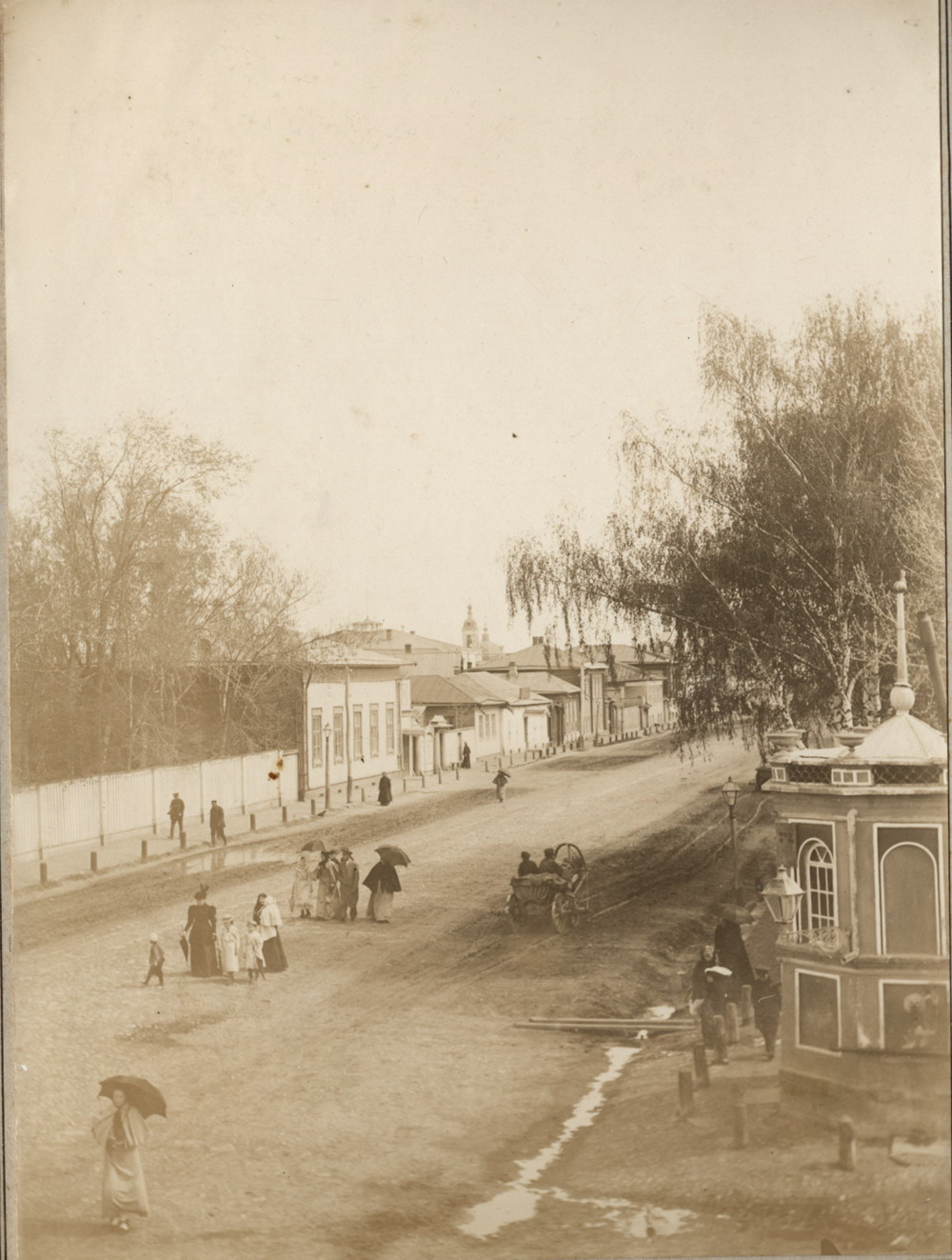 Вид из окна дома Мяздриковых на ул. Московскую в Муроме. сер. 1890-х