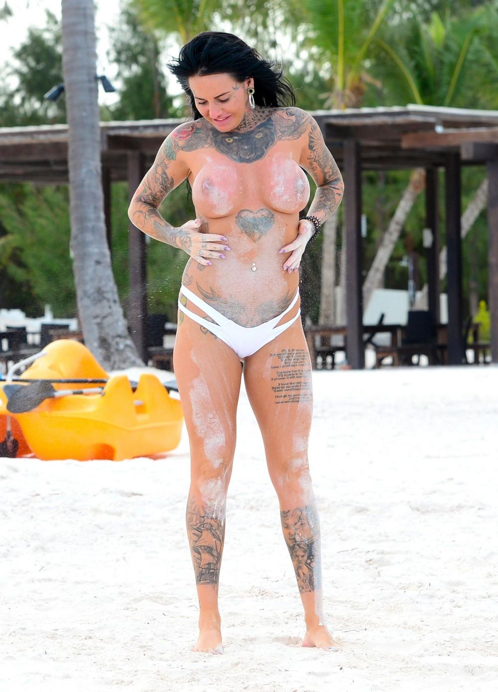 Джемма Люси и Шантель Коннелли отдыхают на Карибских островах