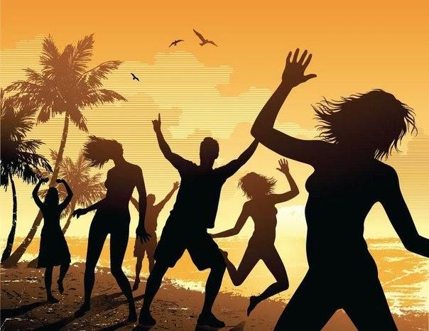 С первым днем лета! Танцы на пляже