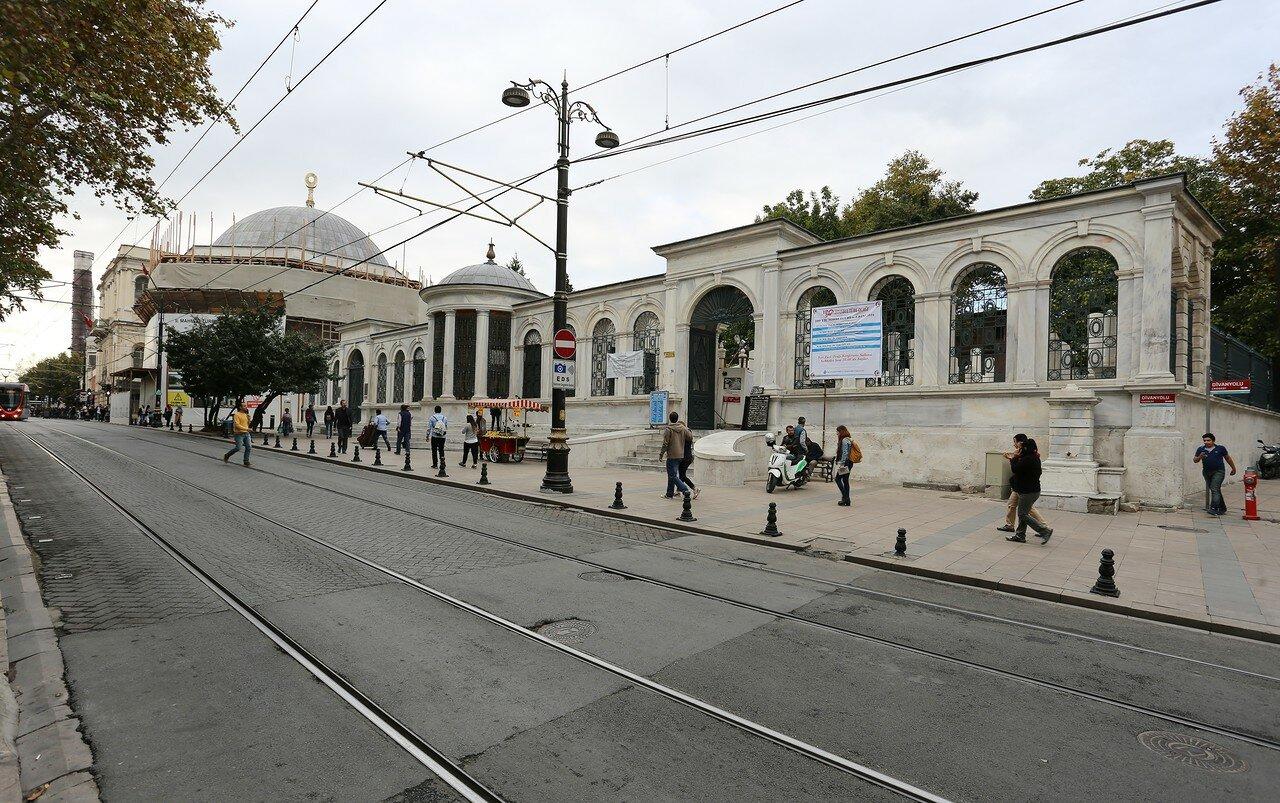 Стамбул. Улица Диван Йолу (Divan Yolu Caddesi)