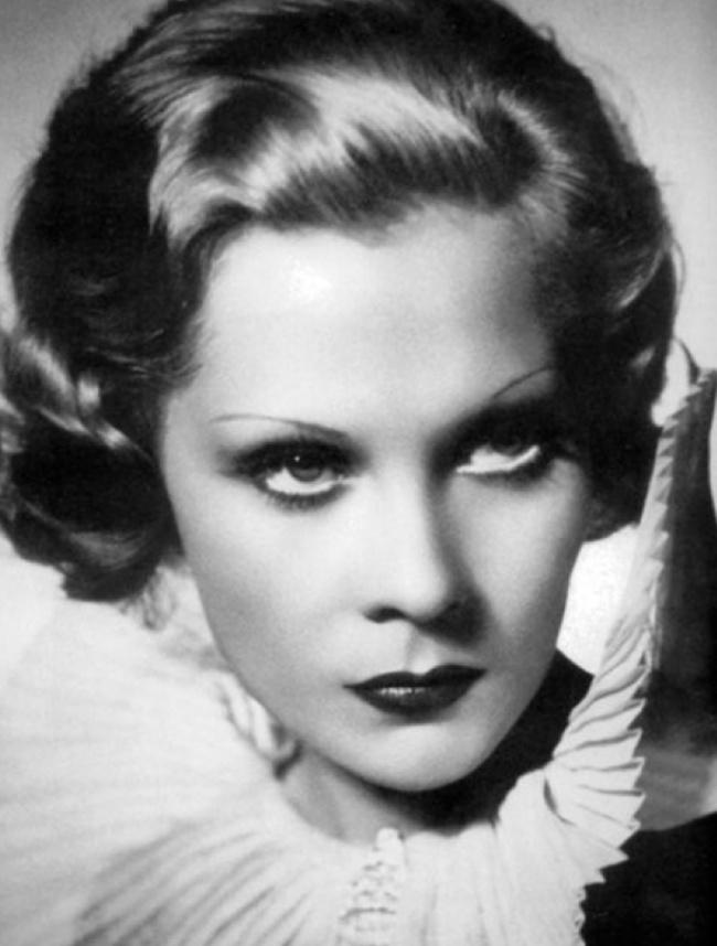 4. В 1927 году Натали вышла замуж за модельера Люсьена Лелонга, с которым развелась в 1937 году. Поя