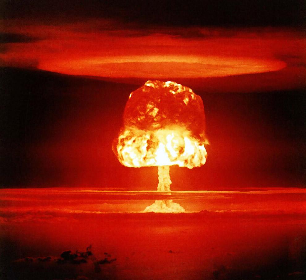 25. Взрыв привёл к сильному радиационному заражению окружающей среды, что вызвало озабоченность