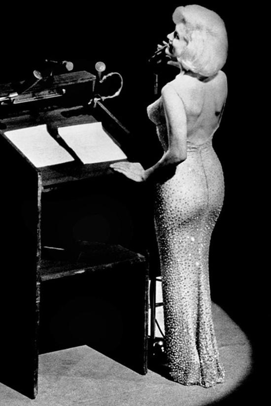 3. Мэрилин Монро в первом «голом» платье, 1962 год История «голых» платьев в широкой общественности