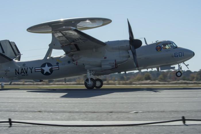 8. E-2D Advanced Hawkey. Этот самолет радиолокационного дальнего наблюдения за 232 млн долларов испо