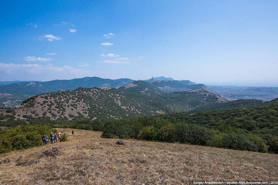 12. Высшая точка нашего похода. Гора Ай-Георгий, или, как ее еще называют, Манджил. Ее высота н