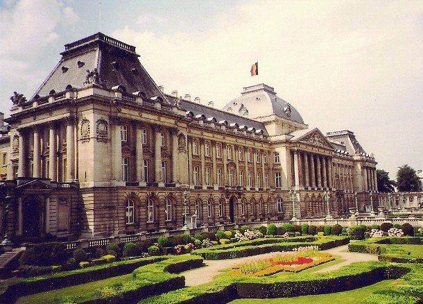 15. Королевский дворец в Брюсселе, Бельгия В центре Брюсселя, Бельгия расположен Королевский дворец,