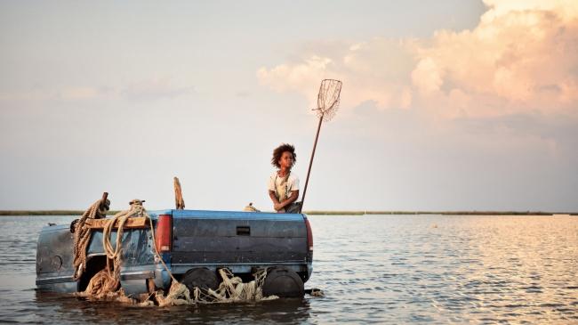 © Cinereach  6-летняя Хашпаппи живет сосвоим отцом Уинком влачуге нанебольшом острове Баста