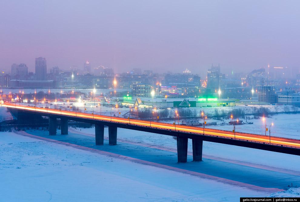 20. Площадь Гарина-Михайловского и вокзал «Новосибирск-Главный».