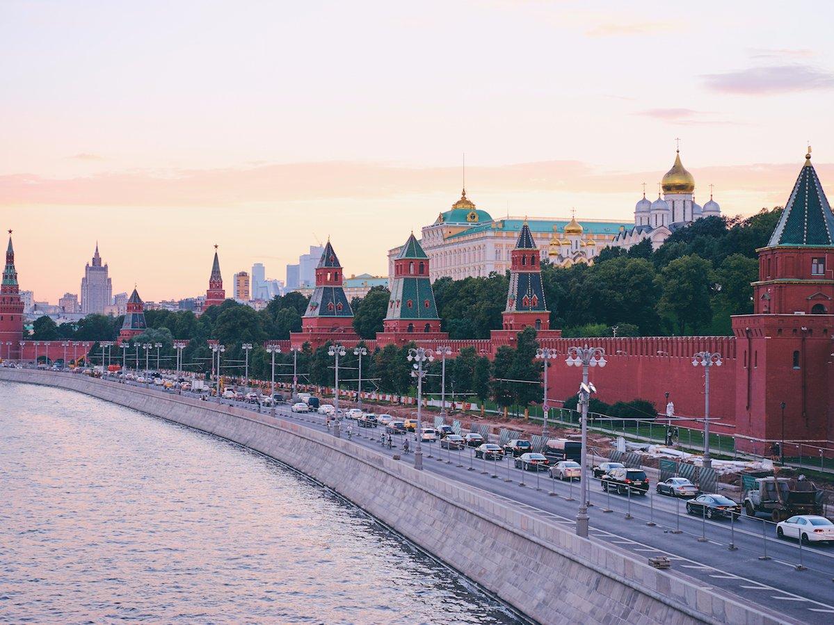 Московский Кремль, построенный в XV веке, — официальная резиденция российских президентов.