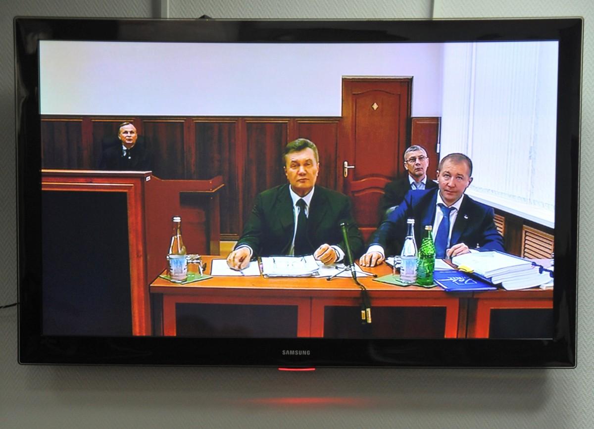 Допрос Януковича перенесли на28ноября повине киевских радикалов