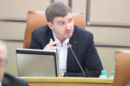 Депутата Красноярского городского Совета Сергея Суртаева коллеги лишили полномочий